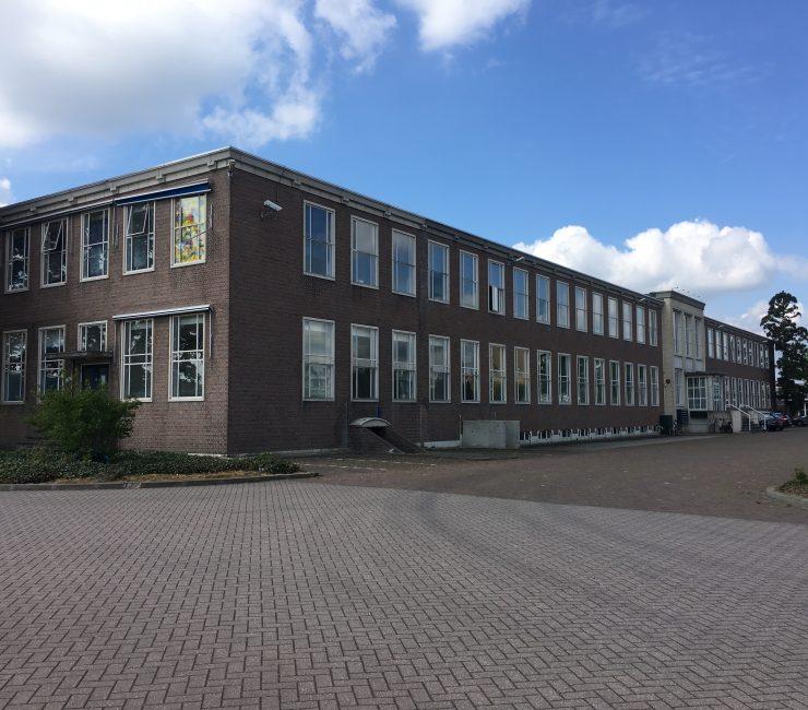 Het Ambacht: bedrijvenverzamelgebouw in Veenendaal