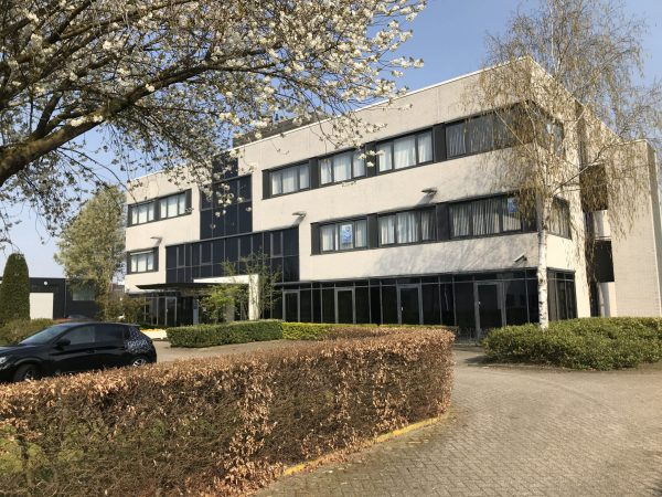 Zeer net kantoorpand in Tilburg